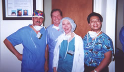 Live Surgery – Workshop, Orlando, USA, February 2001. From the left side: Dr Jerzy Kolasiński, Dr Paul M. Straub (USA), Dr Sharon A. Keene (USA), Dr E. Antonio Mangubat (USA).