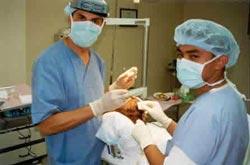 Podczas operacji. Rhiad - 07/2001