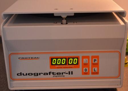 Wirówka - ustawienie parametrów wirowania: czas i obroty na minutę