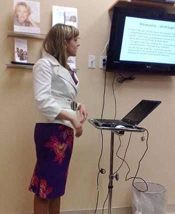 Dr med. Małgorzata Mackiewicz-Wysocka podczas wykładu