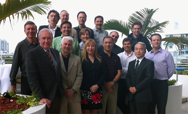 Zarząd ISHRS podczas spotkania w Miami, czwarty od prawej dr Jerzy Kolasiński
