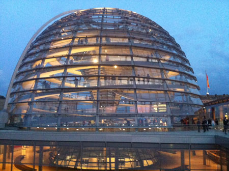 Kopuła Reichstagu urzeka swoją nowoczesnością