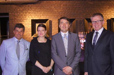 Wykładowcy - od prawej: dr med. Janusz Jaworowski, dr hab.med. Dawid Murawa, mgr Dominika Kolasińska-Szkutnik, dr med. Jerzy Kolasiński