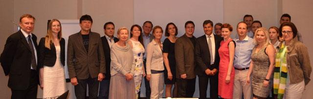 Uczestniczy spotkania PTChOW w Warszawie – w środku dr Ronald Shapiro
