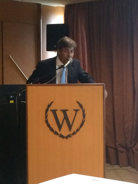 dr med. Jerzy Kolasiński podczas wykładu