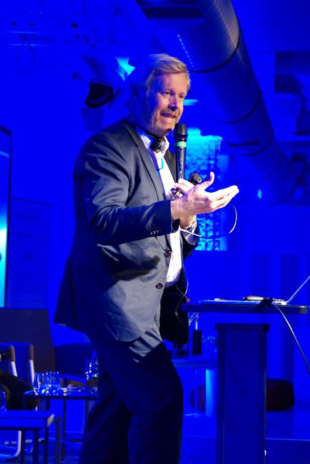 Prof. Per Heden podczas wykładu