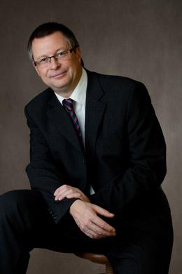 Dr Grzegorz Mikołajczak